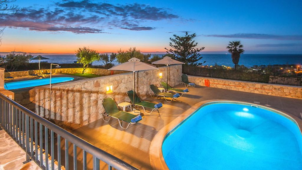 Villas in Crete, Villas in Greece